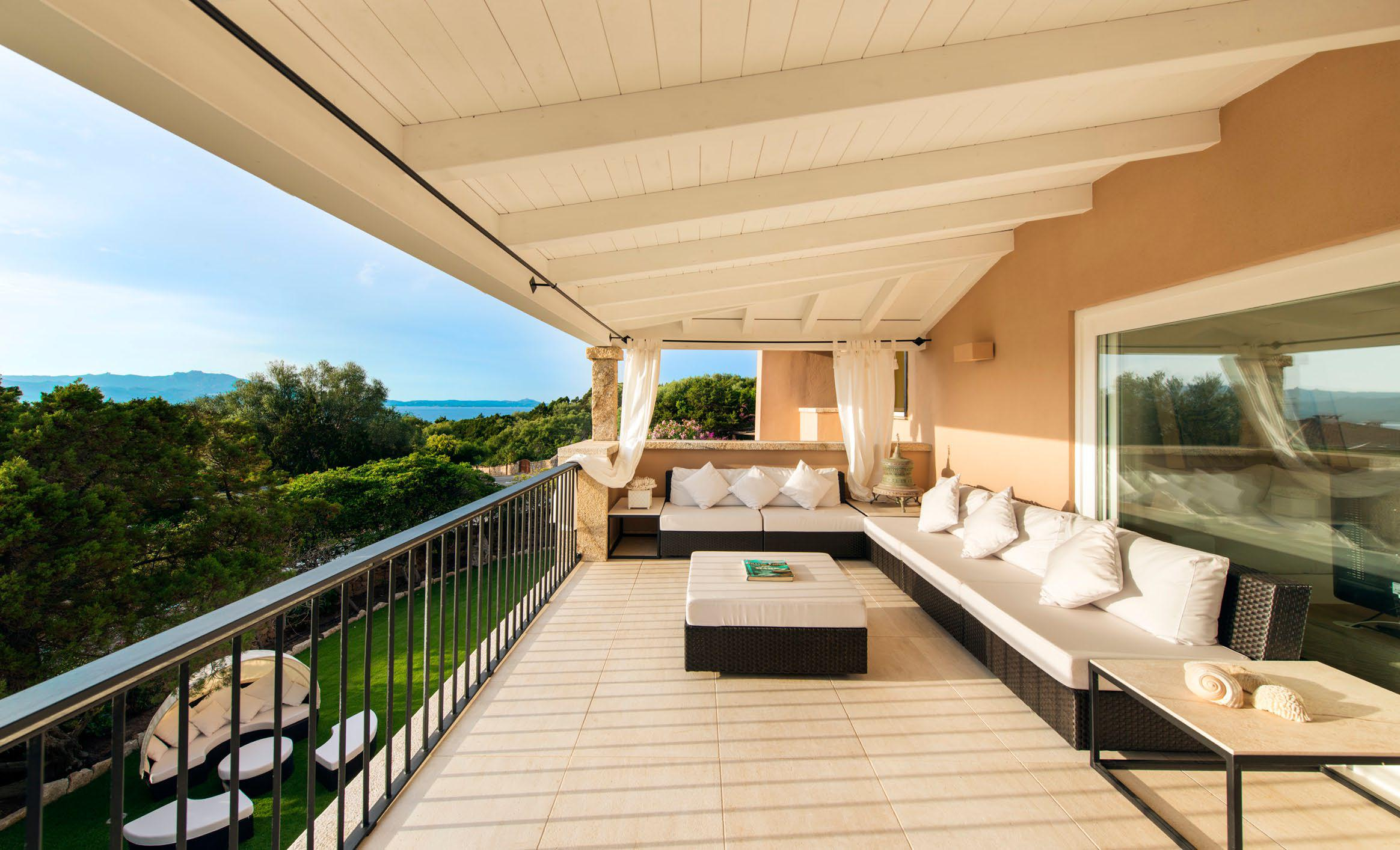 VILLA  FOR RENT PORTO ROTONDO