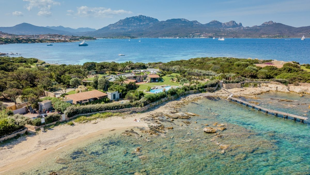 waterfront villa for sale Porto Rotondo punta volpe