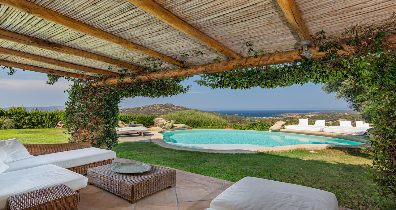 COUNTRY HOUSE FOR SALE PORTO ROTONDO