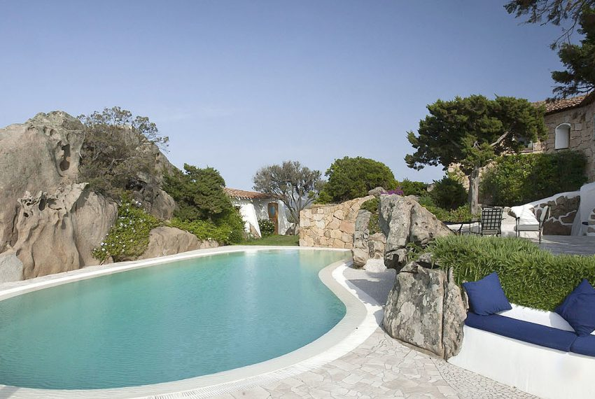 Luxury-Villa-WhiteRocks-Portorotondo-Sardinia-rent2